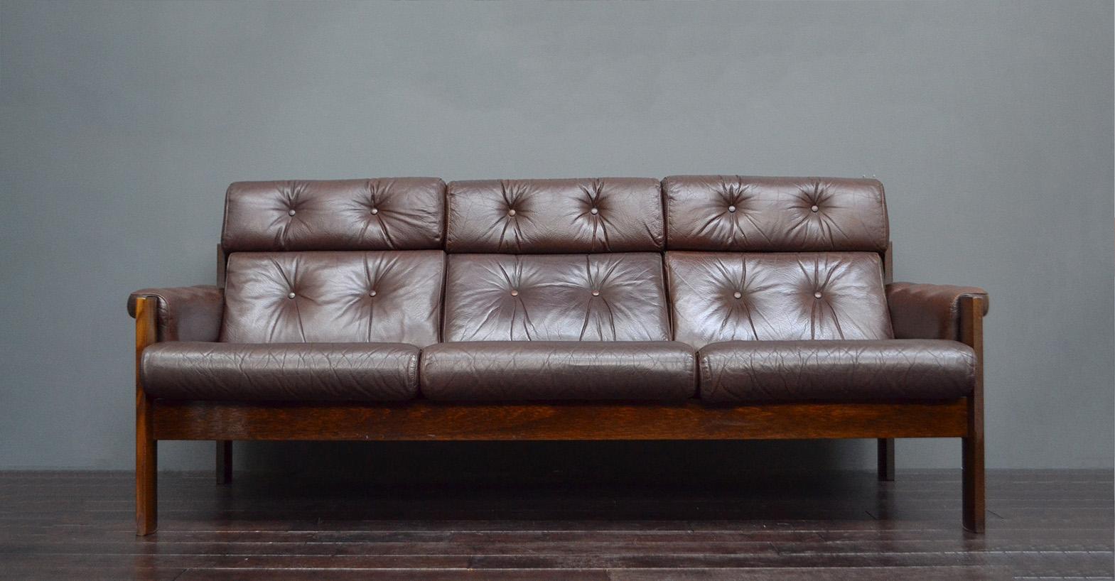 Mid Century Scandinavian Ekornes Brown Leather Sofa Vintro
